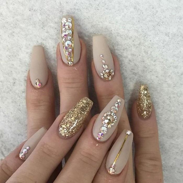 gold glitzer strasssteine hochzeitsnägel ideen