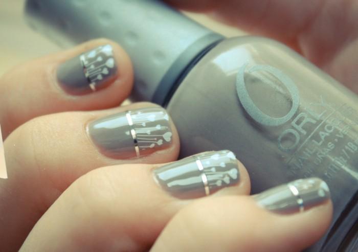 graue hochzeitsnägel nagellack herzen streifen