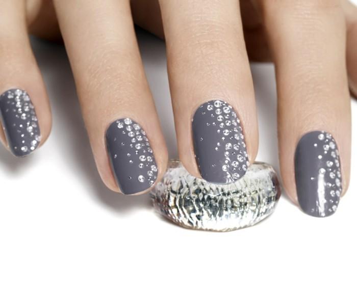 grauer nagellack blitzersteine hochzeitsnägel ideen