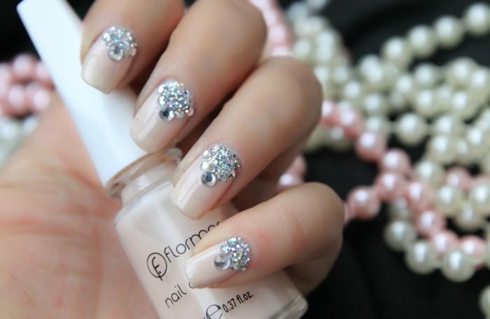 hochzeit nageldesign nagellack und glitzersteinen