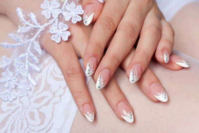 hochzeitsnägel spitze blumen nagellack strasssteine glitzer