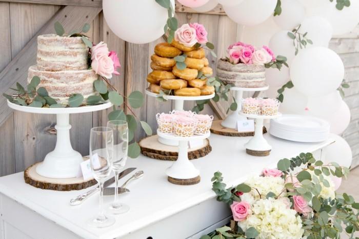 hochzeitstorte semi naked cake etagentorte echte rosen