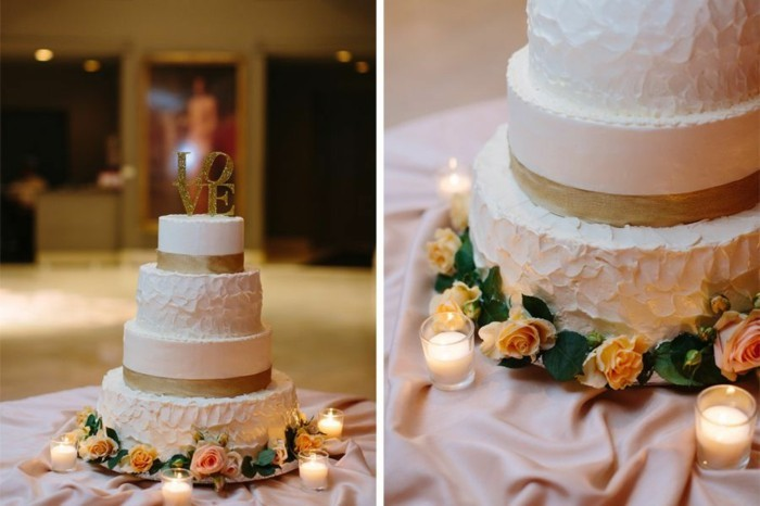 hochzeitstorte weisse sahnecreme goldstreifen love cake topper