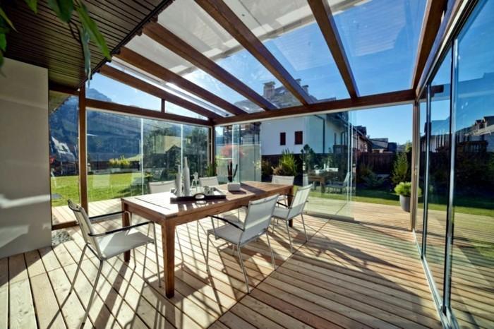 holz bodendielen richtig pflegen überdachte terrasse esstisch und stühle