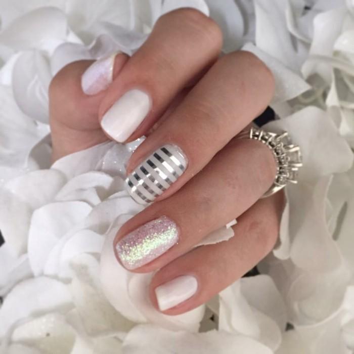 maniküre hochzeit weisser nagellack silber streifen glitzer nageldesign