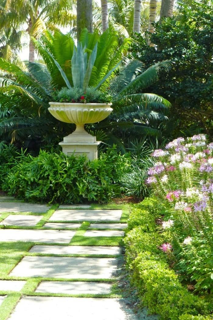 mediterrane gartengestaltung ausgefallner gartenbrunnen und schöner gartenweg