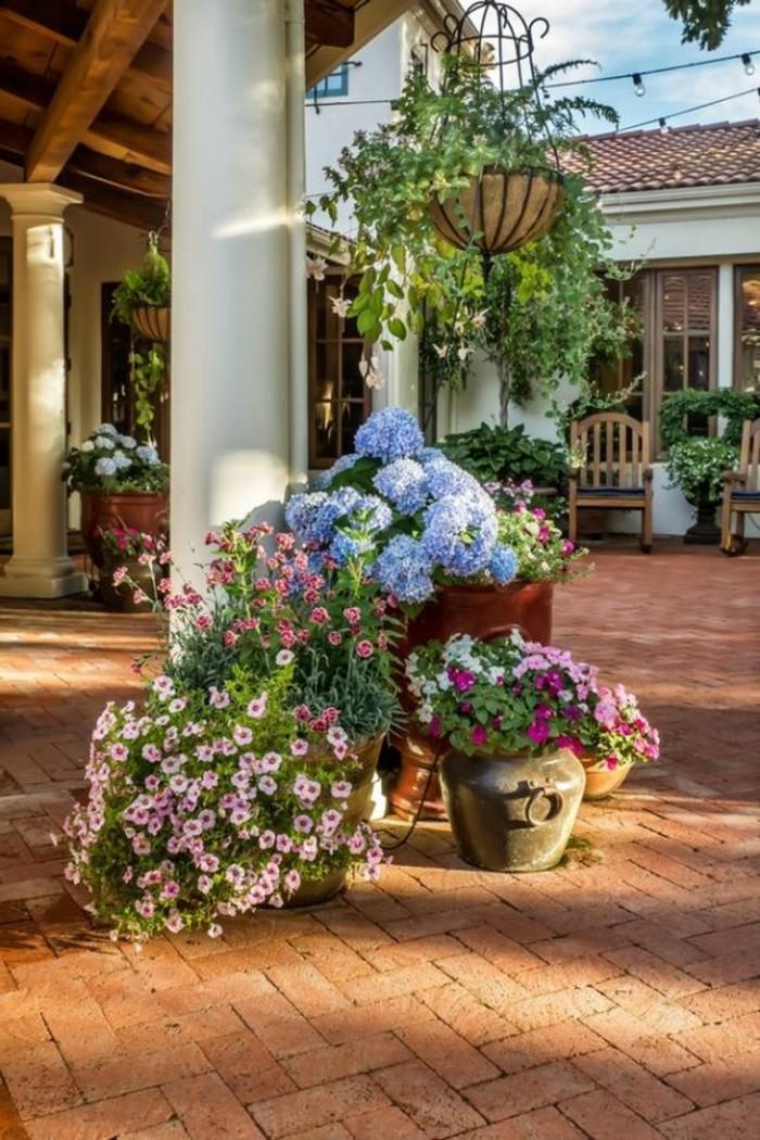 mediterrane-gartengestaltung-passende-blühende-gartenpflanzen