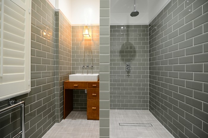 modernes bad einrichten mit u bahn fliesen gestaltungsideen