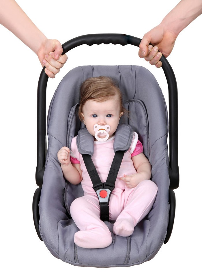 neugeborenes baby autositz
