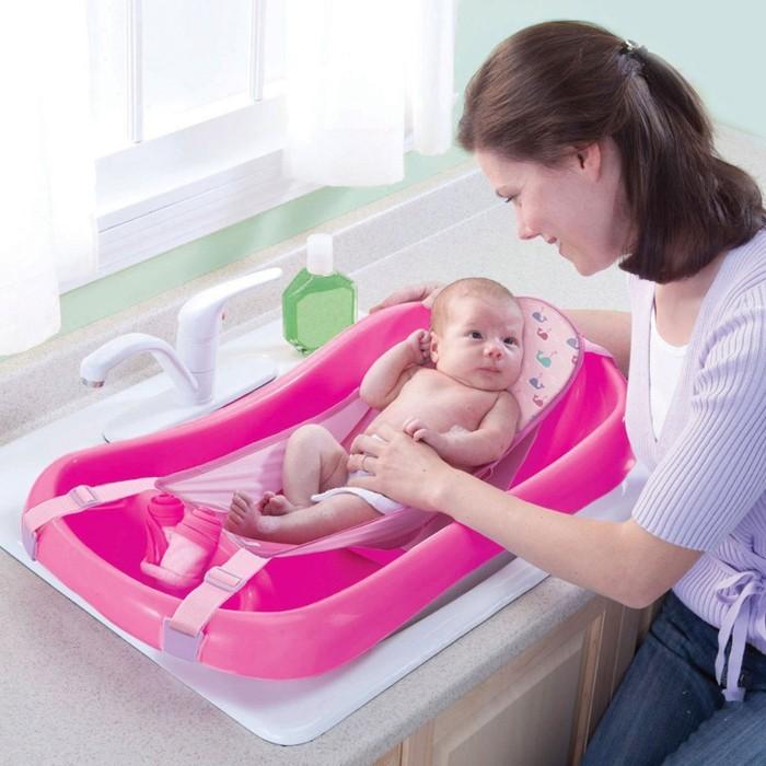 neugeborenes baby badewanne