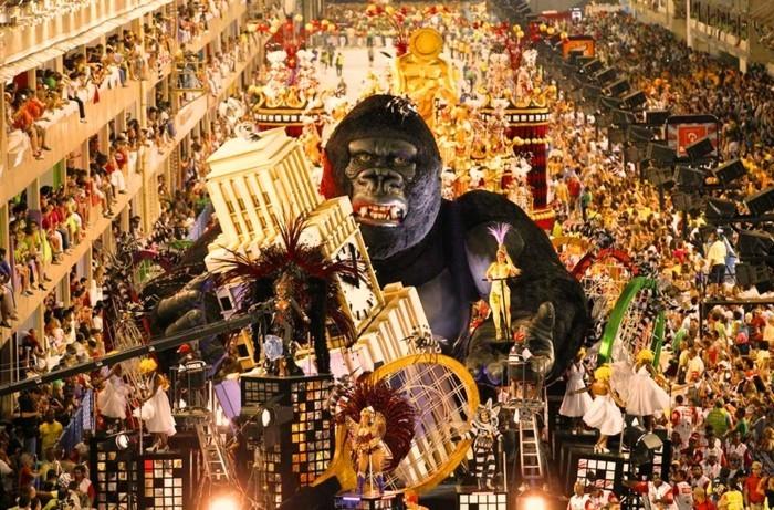 rio karnevalszug mit großer figur 2017