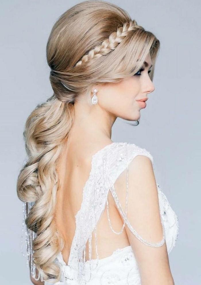 schöne frisuren für die hochzeit charmanter und sanfter look