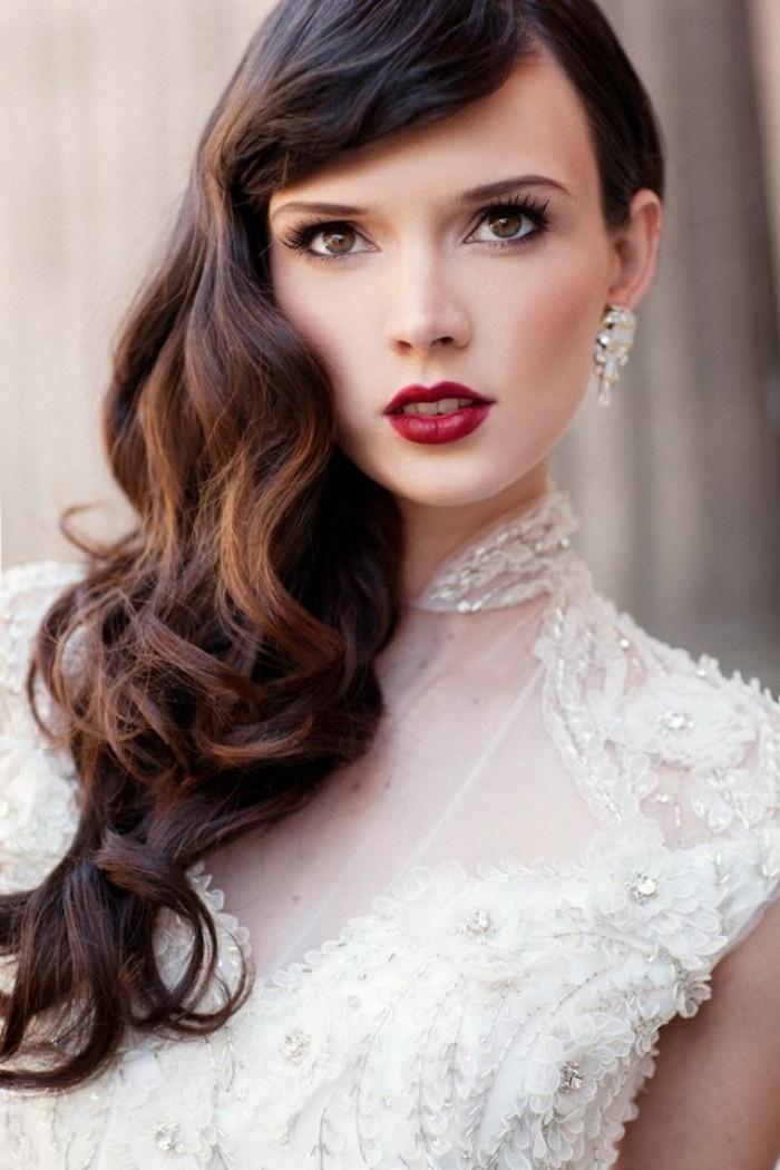 schöne frisuren retro look für die Hochzeit roter lippenstift und elegante ohrringe