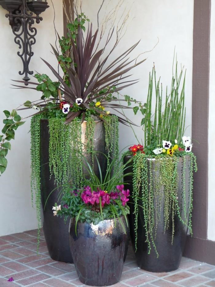 schöne gärten elegante blumentöpfe verschönern den außenbereich