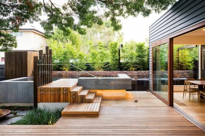 schöne gärten moderner vorgarten mit holzbodenbelag