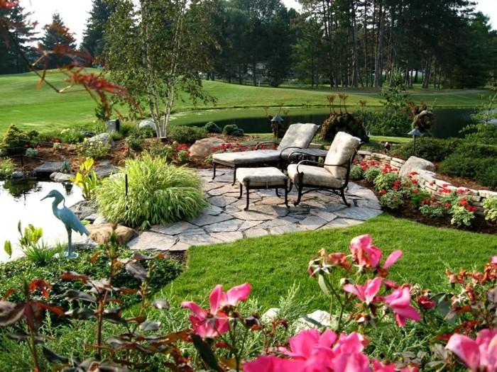 schöne gärten stilvolle gartenmöbel gartenteich und schöne blumen