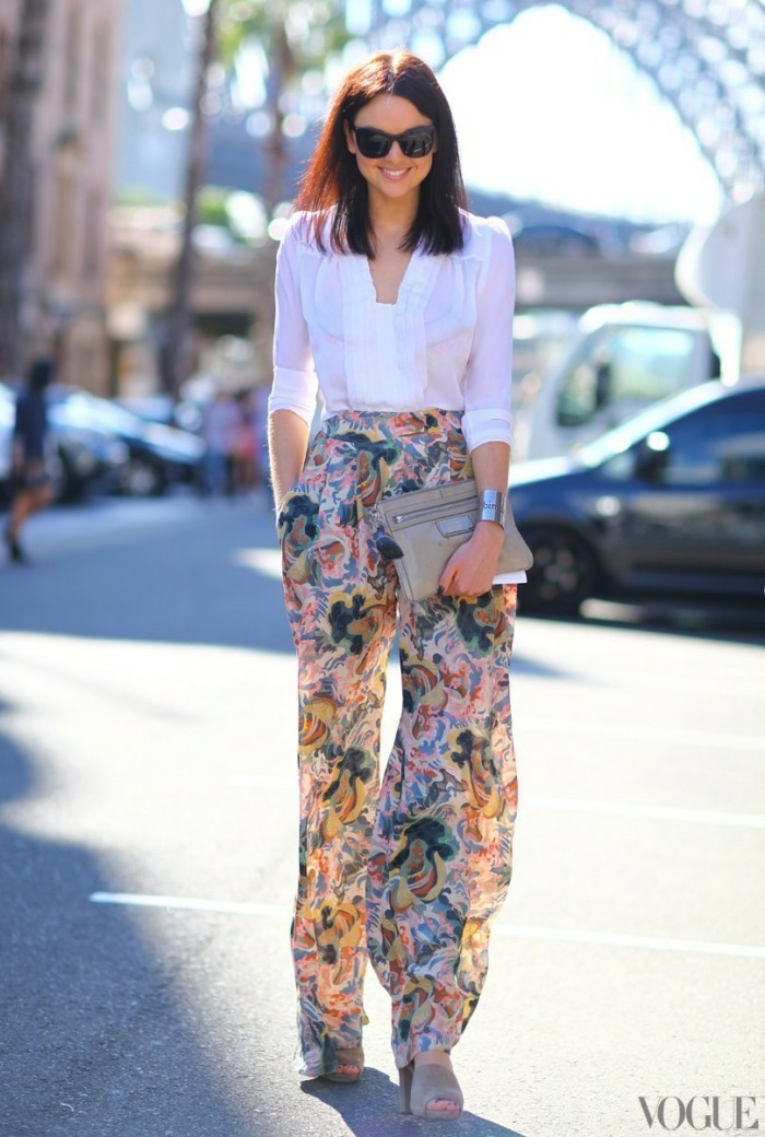 Bright and floral elegant women's pants for summer 2017