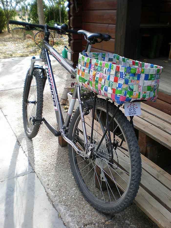 upcycling ideen recycling basteln tetrapack büro fahrrad korb