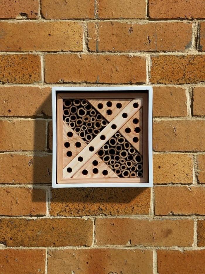 viereckiges gemuetliches hotel fuer die insekte
