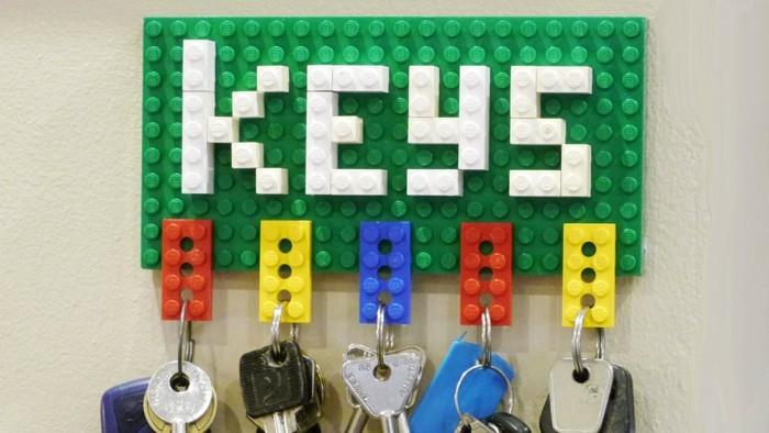 DIY moebel upcycling ideen diy inspiration aus alt macht schreibtisch selber machen lego