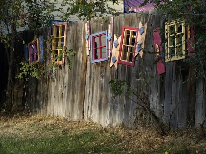 ausgefallene gartendeko selber machen rustikale deko für den gartenzaun