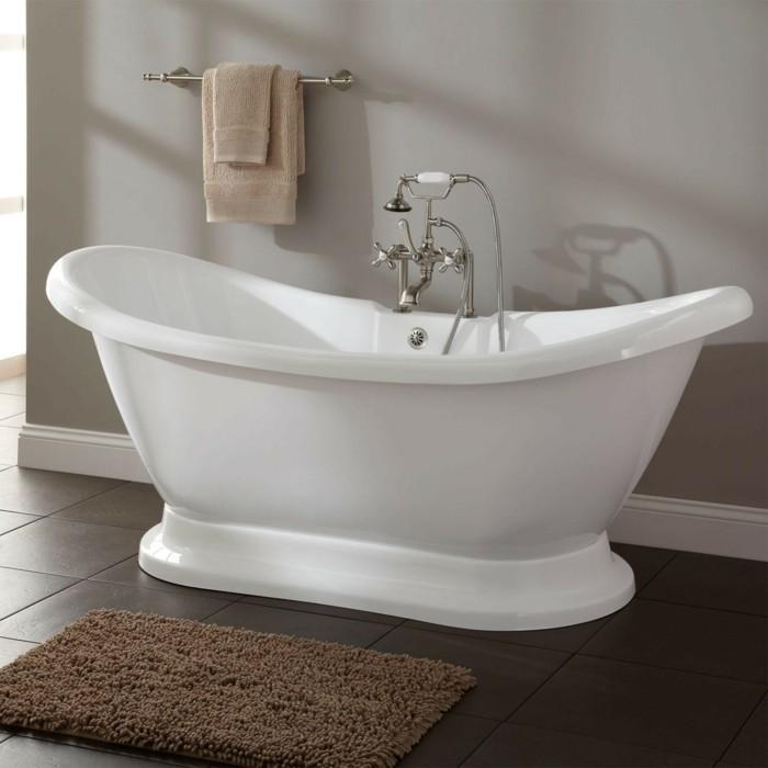 badezimmereinrichtung badaccessoires freistehende badewanne handtücher
