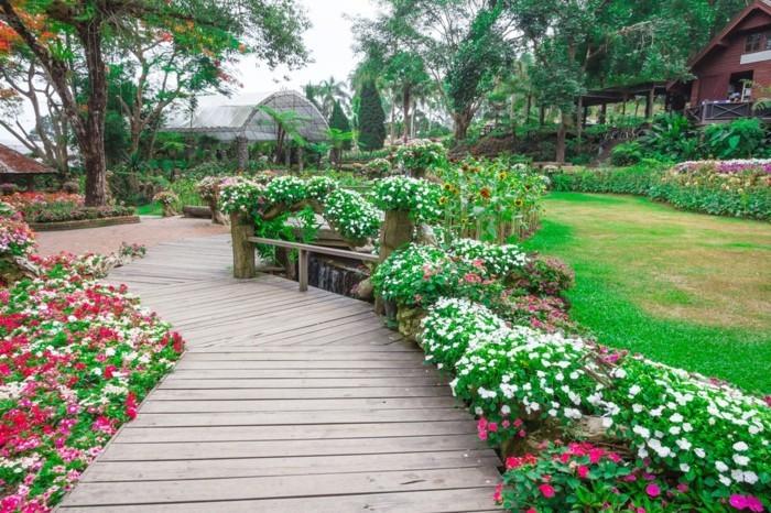 garten gestalten schöne ideen für den vorgarten mit vielen blumen