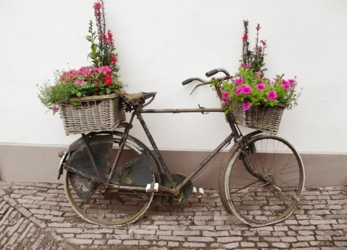 gartengestaltung ideen rustikale gartenideen mit fahrrädern
