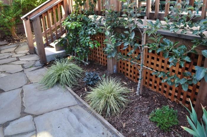 gartenideen mit spalier audgefallene gartendeko mit pflanzen