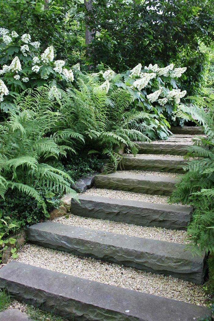gartenideen steintreppen mit pflanzen verschönern