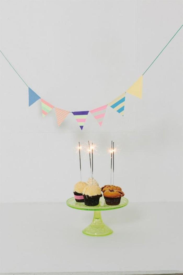 geburtstag partydekoration girlande aus washi tapes cupcakes wunderkerzen