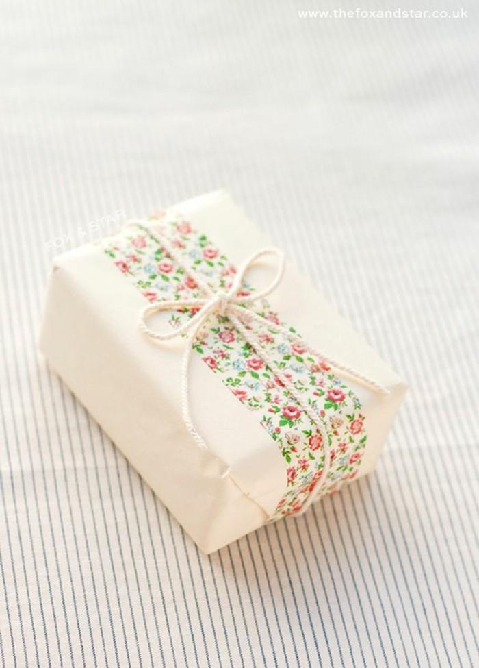 geschenkverpackung mit washi tape dekorieren