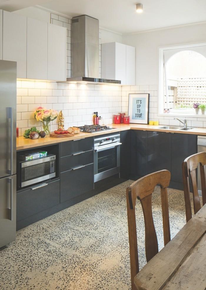 küche l-form graue küchenschränke und ausgefallener bodenbelag