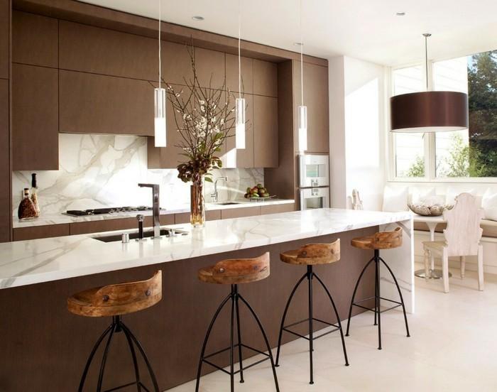 küchengestaltung moderne küche mit cooler beleuchtung und vielen barhockern