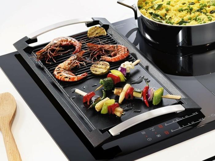 kombiniertes grillen gesund plancha grill gemüse meeresfrüchte