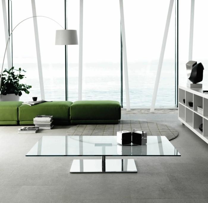 modern wohnen geräumiges wohnzimmer mit grünen hockern