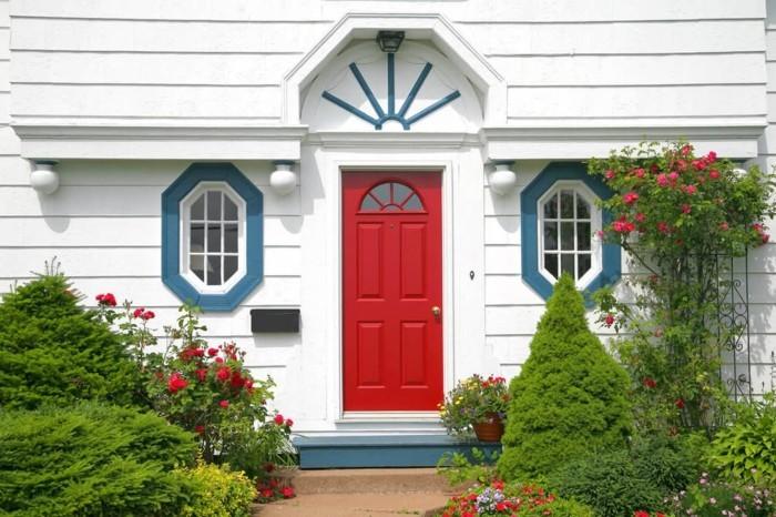 moderne gartengestaltung vorgarten in weiß rot