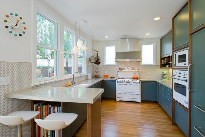 moderne küche in g form mit grünen küchenschränken