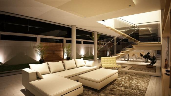 modernes wohnen riesengroßes sofa und ausgafellene dekoration