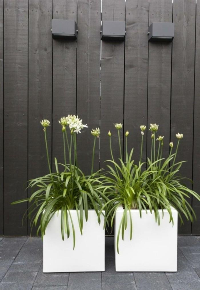 pflanzgefäße für den außenbereich weiß pflanzkübel