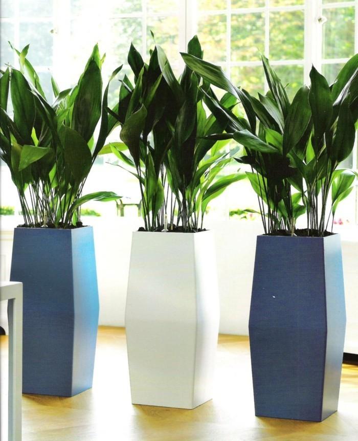 pflanzgefäße moderne dekoration mit riesengroßen pflanzenbehältern