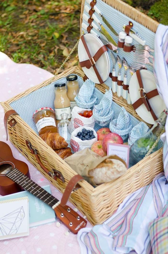 11 picknick ideen vorschl ge und rezepte. Black Bedroom Furniture Sets. Home Design Ideas