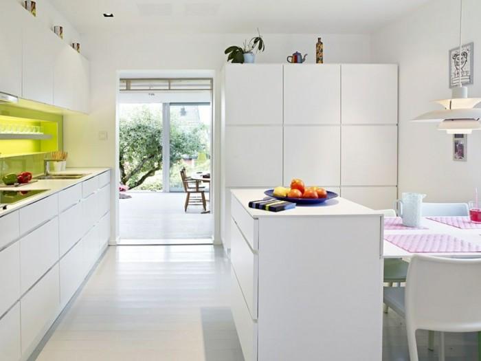 schöne wohnideen weiße küche in minimalistischem stil