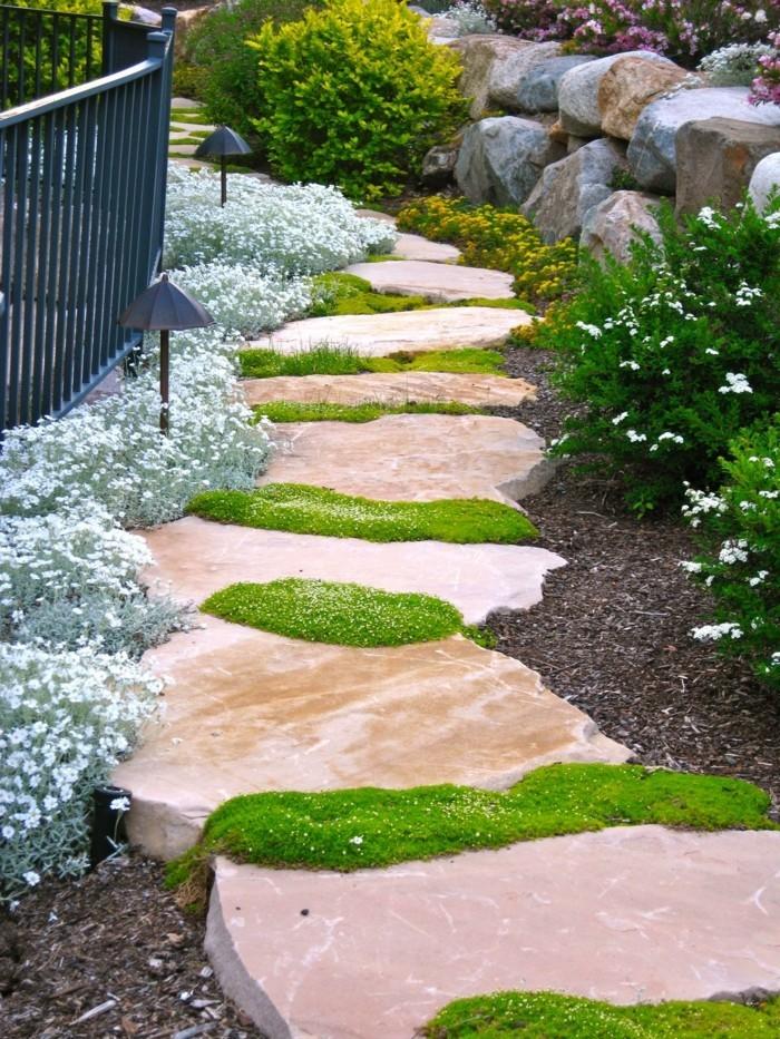 steingarten anlegen schöner gartenweg und ausgefallene dekoideen mit steinen