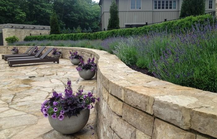 steingarten anlegen und schöne dekoideen mit lavendel