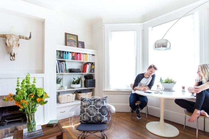 typische einrichtungsfehler vermeiden wohnzimmer essbereich bücherregale