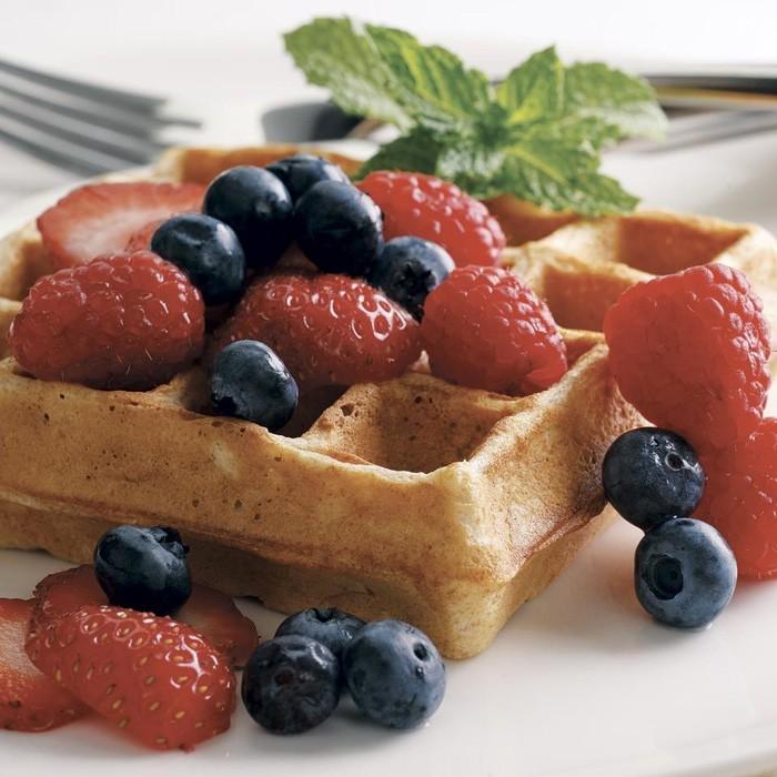 waffel rezepte erdbeereis frühstück im bett gesund