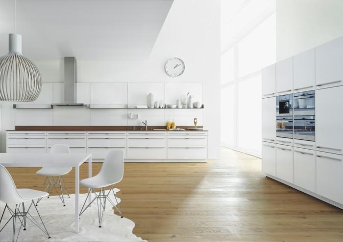 weiße küche moderner fellteppich und schöner boden mit holzoptik