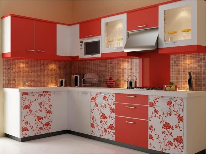 wohnideen küche eckküche mit roten akzenten und floralen motiven