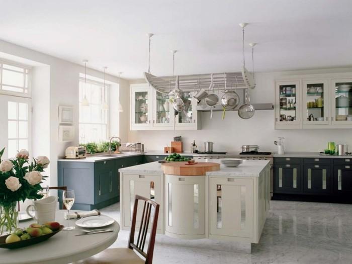 wohnideen küche-l förmige küche mit kücheninsel und pendelleuchten